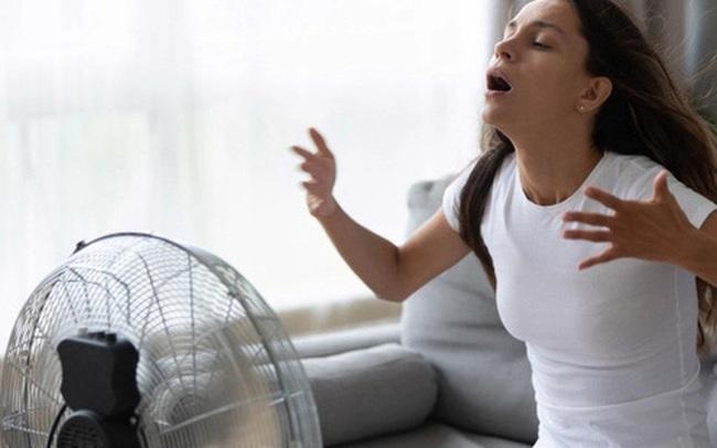 """Ngoài việc ở trong nhà ra, bạn còn có thể """"chống nóng"""" cho cơ thể bằng những việc hết sức đơn giản sau đây"""