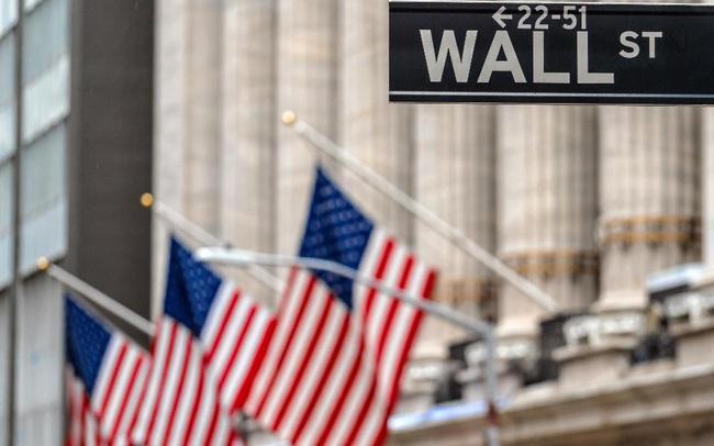 """Phá sản chỉ trong 2 tuần vì ham lãi cao, Covid-19 khiến những nhà đầu tư """"tay mơ"""" cháy túi như thế nào?"""