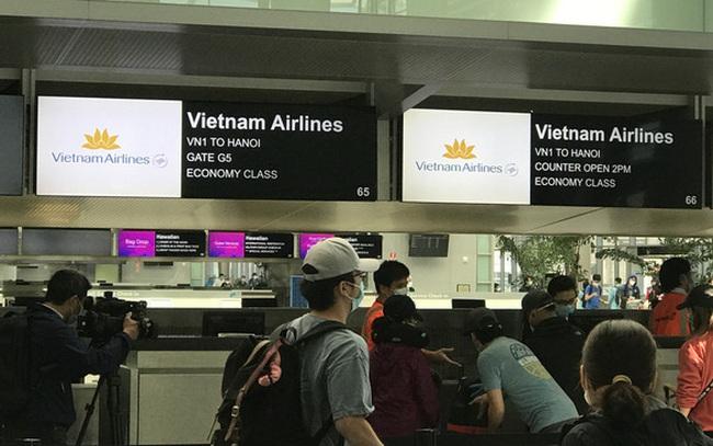 Hơn 340 công dân Việt Nam từ Mỹ đã về nước an toàn