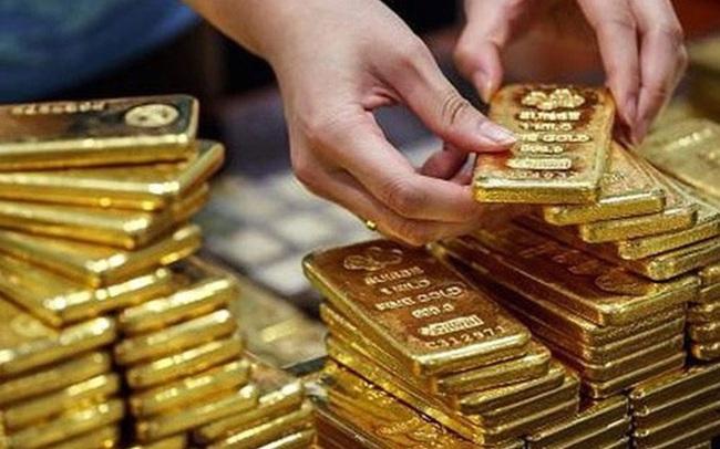 Giá vàng thế giới vượt mốc lịch sử năm 2011, sẽ tiến thẳng lên 2.000 USD/ounce?