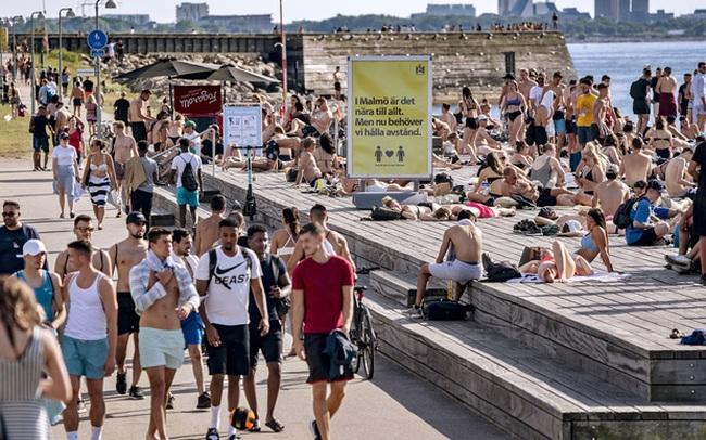 Ngược dòng thế giới thả nổi virus, Thụy Điển phải trả cái giá quá đắt và trở thành lời cảnh báo đáng sợ dành cho toàn nhân loại