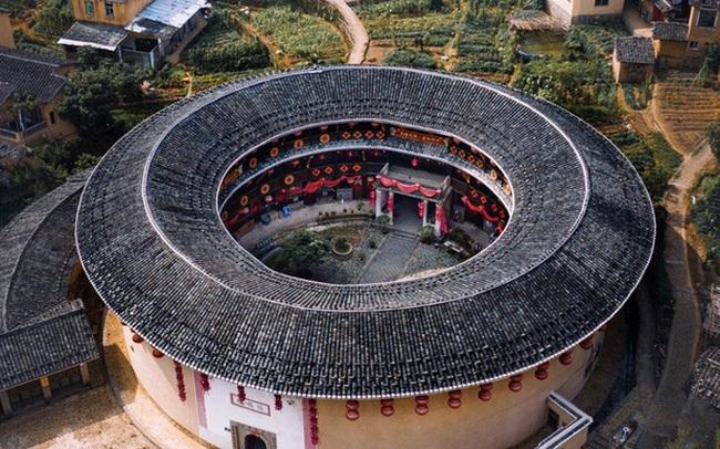 """Mãn nhãn với """"hóa thạch sống"""" của kiến trúc cổ Trung Hoa: Khu chung cư đất nung lớn nhất thế giới, là một kiệt tác sáng tạo của văn hóa xưa"""