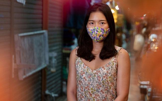 Không còn khách du lịch, các tiểu thương Đông Nam Á đồng loạt chuyển sang bán hàng online để tồn tại