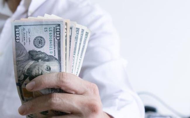 Chuyên gia dự báo đồng USD sẽ giảm giá từ nay cho đến bầu cử Mỹ