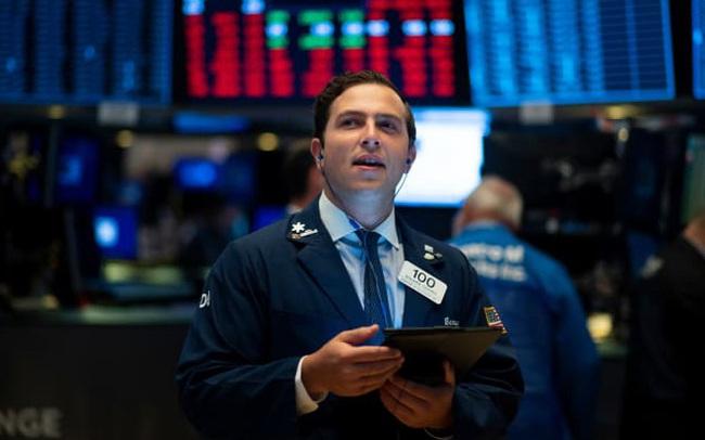 Phố Wall không bị 'lay chuyển' trước mâu thuẫn Mỹ - Trung, Dow Jones tăng điểm 3 phiên liên tiếp