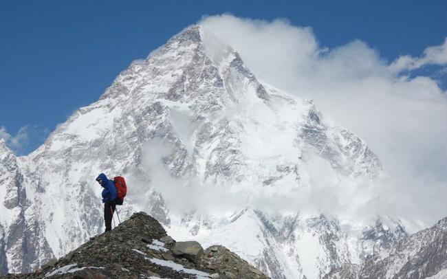Cuộc đời cũng giống như leo núi: An yên, hạnh phúc hóa ra luôn ở ngay bên cạnh, người biết điểm dừng cuộc sống sẽ trọn vẹn hơn