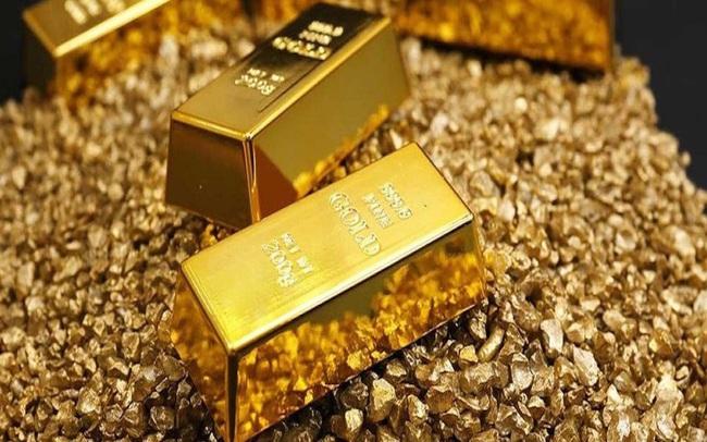 Thị trường ngày 23/7: Giá vàng tiếp tục leo dốc, dầu quay đầu giảm do căng thẳng Mỹ - Trung leo thang