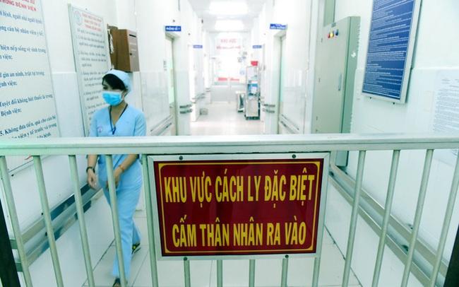 Thêm 4 ca mắc COVID-19 nhập cảnh từ Nga và Hàn Quốc, Việt Nam có 412 ca bệnh