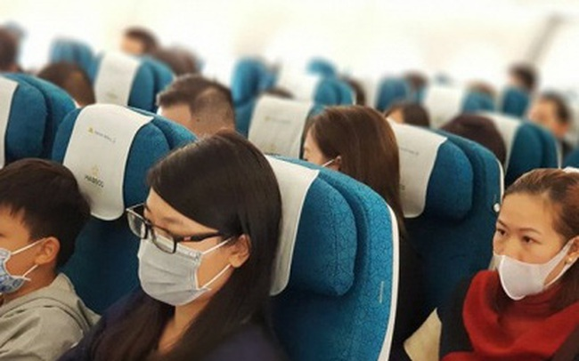 Hành khách đi máy bay, tàu xe phải đo thân nhiệt và đeo khẩu trang