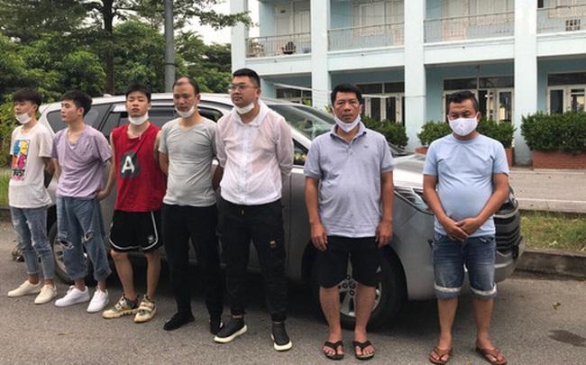 CSGT phát hiện 5 người Trung Quốc đi thuyền nhập cảnh trái phép qua Lào Cai định vào TP.HCM