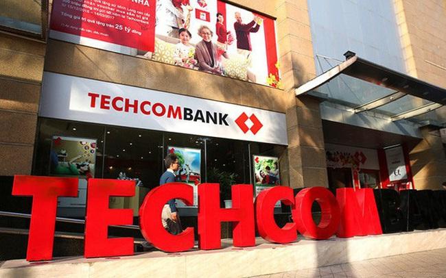 Lợi nhuận trước thuế Techcombank 6 tháng đầu năm đạt hơn 6.700 tỷ, chi phí dự phòng rủi ro tăng vọt