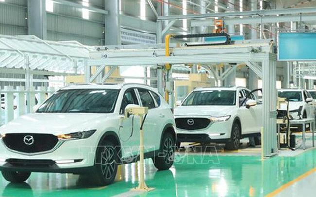 Thị trường ô tô sau một tuần giảm 50% phí trước bạ