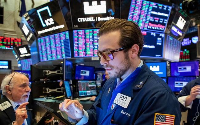 Ca nhiễm nCoV tăng kỷ lục, Phố Wall vẫn hồi phục, cổ phiếu công nghệ khởi sắc đưa Nasdaq chạm đỉnh