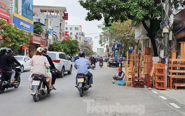 Hàng loạt Chủ tịch phường, quận của Hải Phòng bị phê bình vì vỉa hè bị lấn chiếm