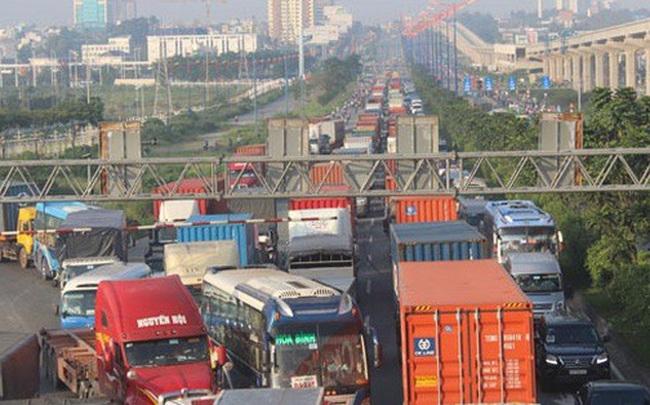 TPHCM: Vận tải hàng hóa vào ban đêm có giảm kẹt xe?