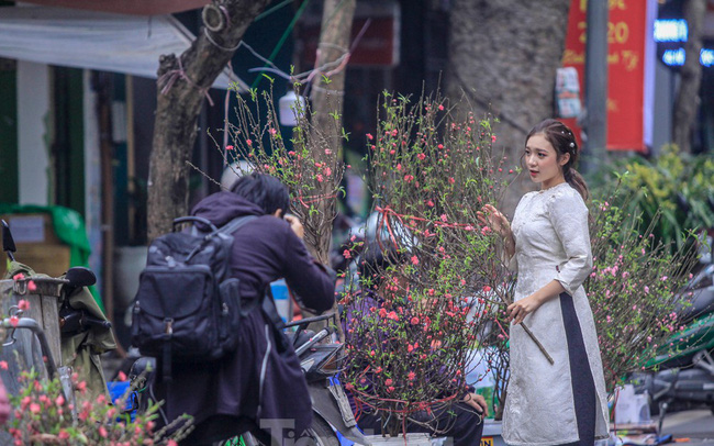Không khí Tết ngập tràn phố phường Thủ đô