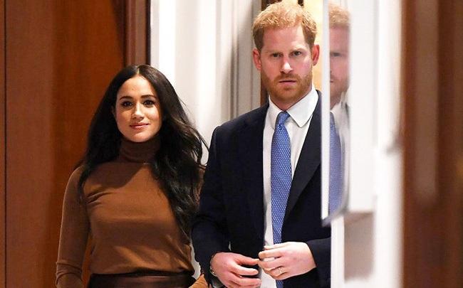 """Hé lộ kế hoạch """"đe dọa"""" hoàng gia Anh của vợ chồng Meghan Markle nếu như không đạt được mục đích khiến nhiều người thất vọng"""