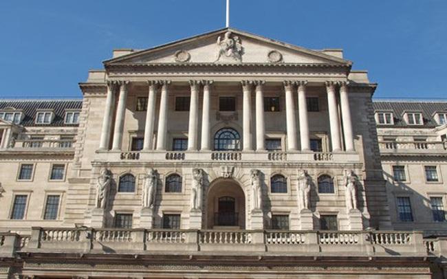 BoE cân nhắc hạ lãi suất trong bối cảnh kinh tế Anh đình trệ