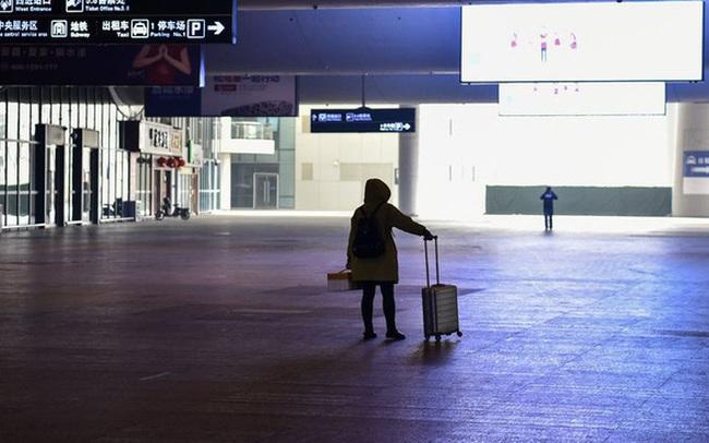 Động thái cứng rắn chưa từng có trong lịch sử y tế hiện đại: Trung Quốc cách ly, cấm 40 triệu dân đi du lịch vì đại dịch corona