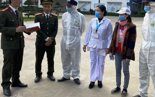 Hàng trăm người Trung Quốc trở lại Thanh Hóa làm việc sau Tết