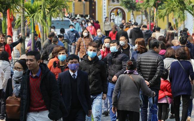 Một người bị sốt sau khi trở về từ Trung Quốc lại tiếp tục đi du lịch