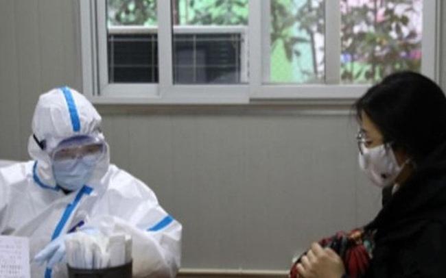 Một em bé 7 tháng tuổi ở Thượng Hải là bệnh nhân nhỏ tuổi nhất bị nhiễm virus corona Vũ Hán