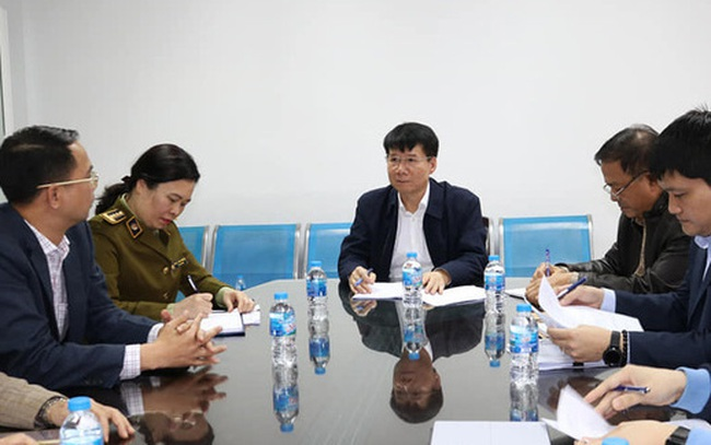 Bộ Y tế kiểm tra, làm việc trực tiếp với các cơ sở sản xuất vật tư y tế trước tình trạng khan hiếm khẩu trang