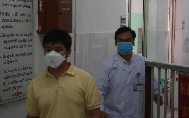 Lời kể của bác sĩ trực tiếp đối đầu với virus corona mới