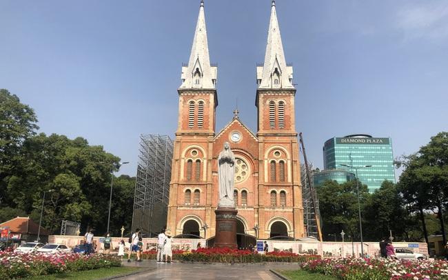 Sợ corona, nhiều điểm tham quan ở Sài Gòn 'vắng như chùa bà đanh'  Sợ corona, nhiều điểm tham quan ở Sài Gòn 'vắng như chùa bà đanh' photo1581040488489 1581040488759 crop 15810405698411911448663