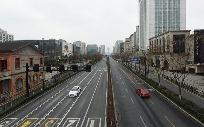 Trung Quốc chính thức phong tỏa 4 thành phố lớn của tỉnh Chiết Giang, mỗi gia đình chỉ được ra đường 2 ngày 1 lần