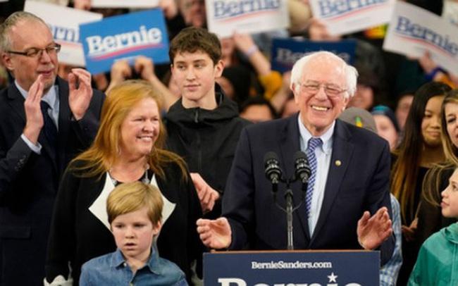 Bầu cử Mỹ: Cựu Phó Tổng thống Biden khởi đầu thất vọng