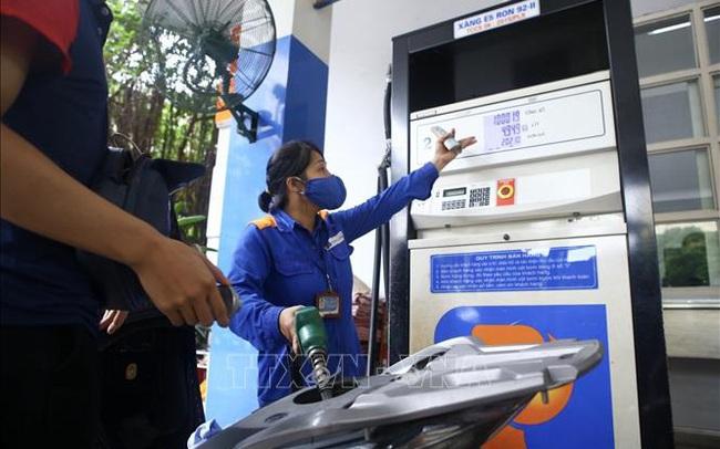 Quỹ bình ổn giá xăng dầu của Petrolimex tăng mạnh