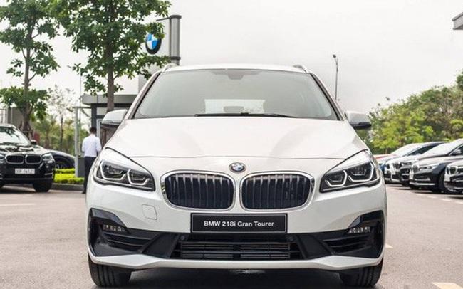 BMW 218i LCI lần đầu giảm giá gần 300 triệu đồng tại Việt Nam - MPV 7 chỗ hạng sang quyết 'vợt' khách bằng mức giá thấp kỷ lục