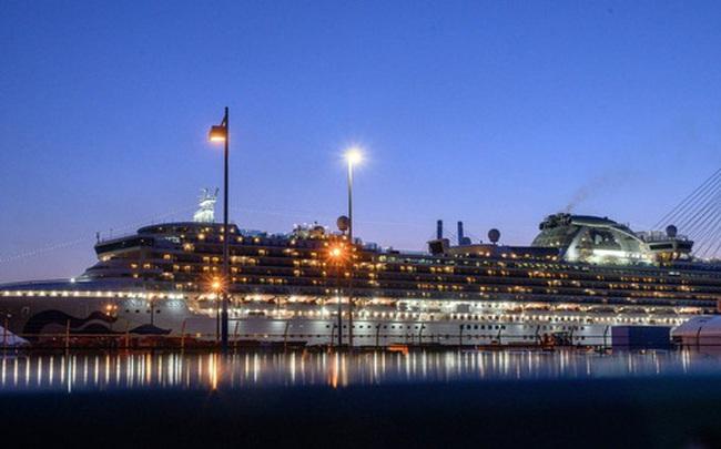 Ký ức từ du thuyền Diamond Princess: Thủy thủ trằn trọc vì tiếng ho khan của đồng nghiệp, chuyên gia dịch tễ cũng sợ mình lây nhiễm virus corona