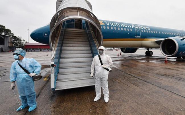 Người nhà báo du học sinh nghi nhiễm Covid-19 bay từ London về TP HCM, cả chuyến bay phải cách ly
