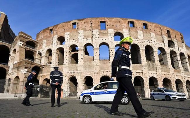 """Phản ứng muộn màng của Italy trước đại dịch COVID-19: """"Lời cảnh tỉnh đối với châu Âu và nước Mỹ"""""""