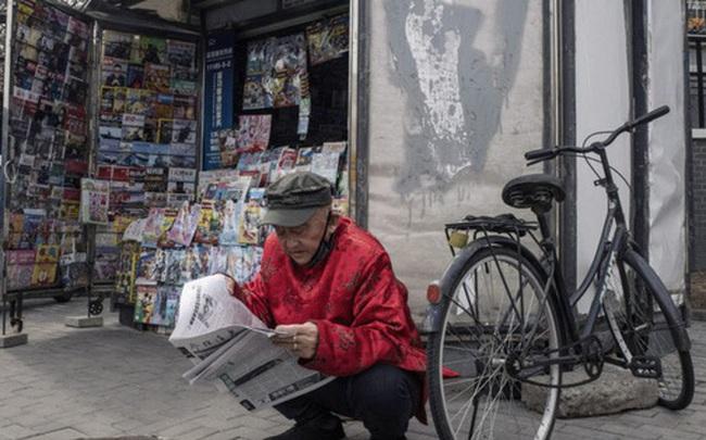 """""""Ít nhất chúng tôi đã không chết"""": Người nghèo ở Bắc Kinh vật lộn trong cuộc chiến chống Covid-19 và thất nghiệp"""
