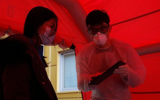 Cách giải quyết vấn đề thiếu giường bệnh khi có hơn 8.000 người nhiễm Covid-19 của Hàn Quốc: Có sẵn ngay, không cần tốn chi phí và nhân lực xây bệnh viện dã chiến như Trung Quốc