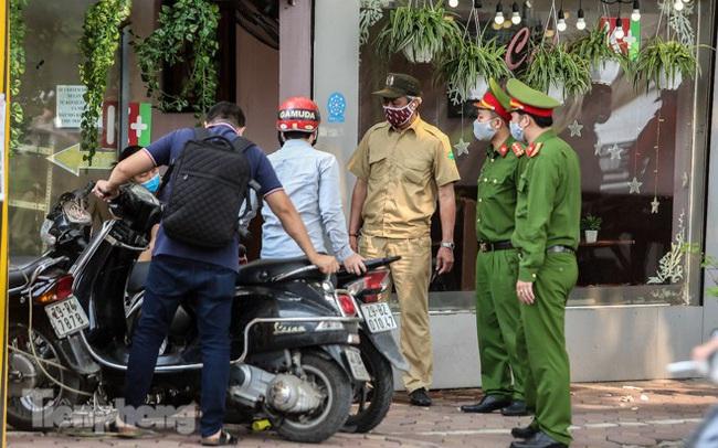 Hàng loạt quán cà phê đất 'vàng' Hà Nội tạm thời đóng cửa