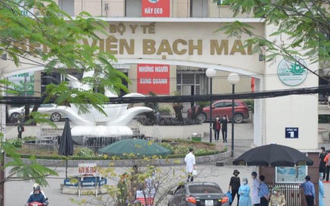 Yêu cầu Giám đốc Bệnh viện Bạch Mai báo cáo về vụ tụ tập đông người, không đeo khẩu trang