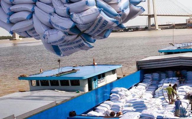 Mở tờ khai xuất khẩu gạo lúc nửa đêm, Tổng cục Hải quan nói gì?