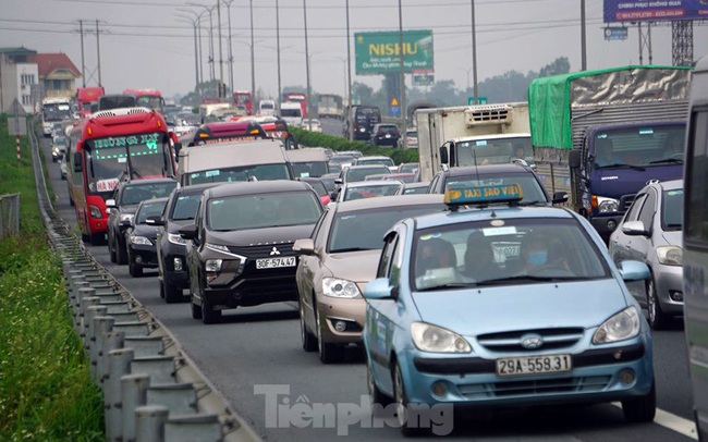 Cao tốc Pháp Vân tê liệt sau kỳ nghỉ lễ dài ngày