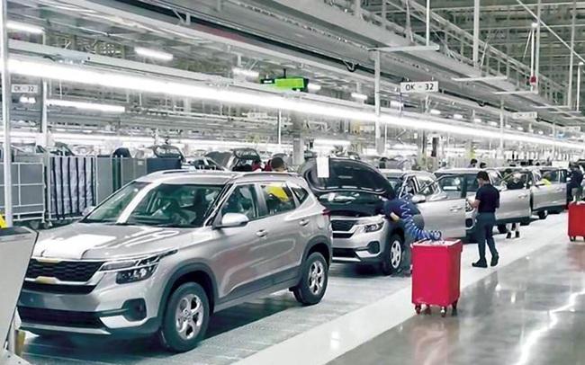 Doanh số ôtô toàn cầu giảm 39% trong tháng 3