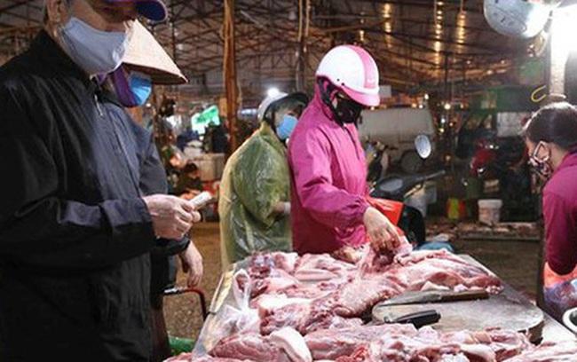 """Giá lợn hơi """"lên đỉnh"""", gần 100.000 đồng/kg"""