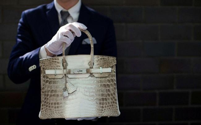 Vì sao người giàu vẫn sẵn sàng chi 500.000 USD để mua một chiếc túi Birkin bất kể dịch Covid-19 hay khủng hoảng đang diễn ra?