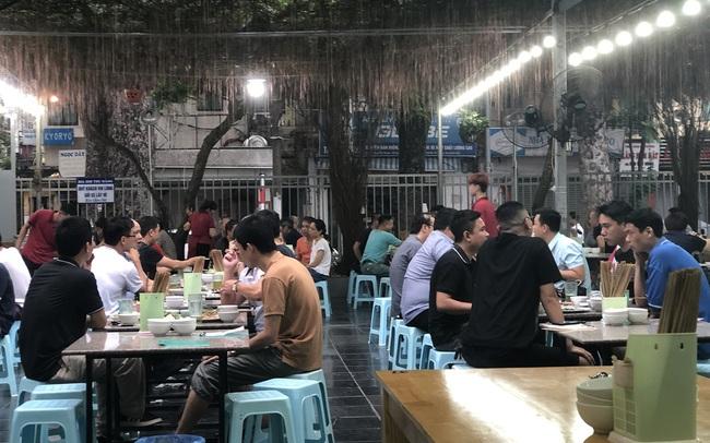 """Nắng nóng, quán bia hơi vẫn ế ẩm vì khách hàng """"ngại"""" Nghị định 100"""