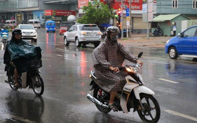 Toàn TP HCM bất ngờ xuất hiện mưa ngâu xua tan oi bức