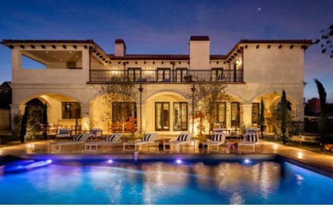 3 căn nhà triệu đô bất ngờ được rao bán giữa đại dịch