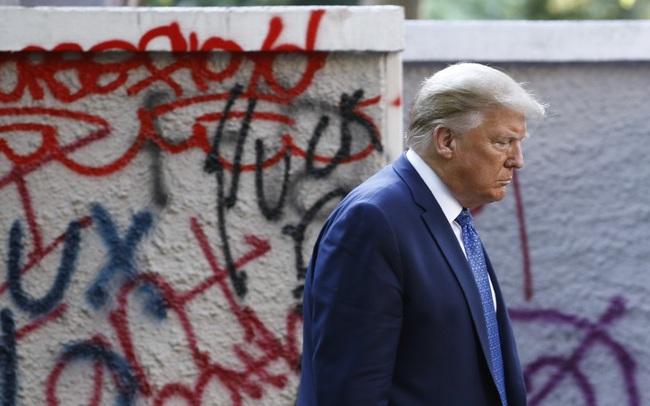 Bước đi sai lầm khiến ông Trump bị xa lánh hơn bao giờ hết