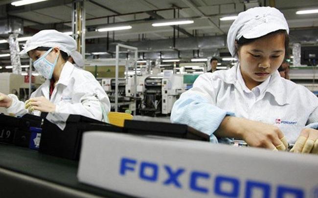 Apple thừa nhận thất bại: Công nhân Foxconn lắp ráp iPhone tốt hơn nhiều so với máy móc tự động